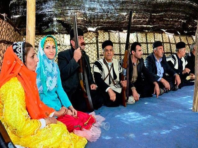 """لزوم راه اندازی """"موزه لباس"""" محلی اقوام مختلف خوزستان/ غبار فراموشی روی لباس محلی …!؟"""