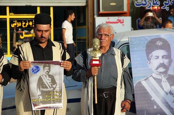 تجمع اعتراضی مردم مسجدسلیمان در محکومیت تخریب مجسمه سردار بختیاری+تصاویر
