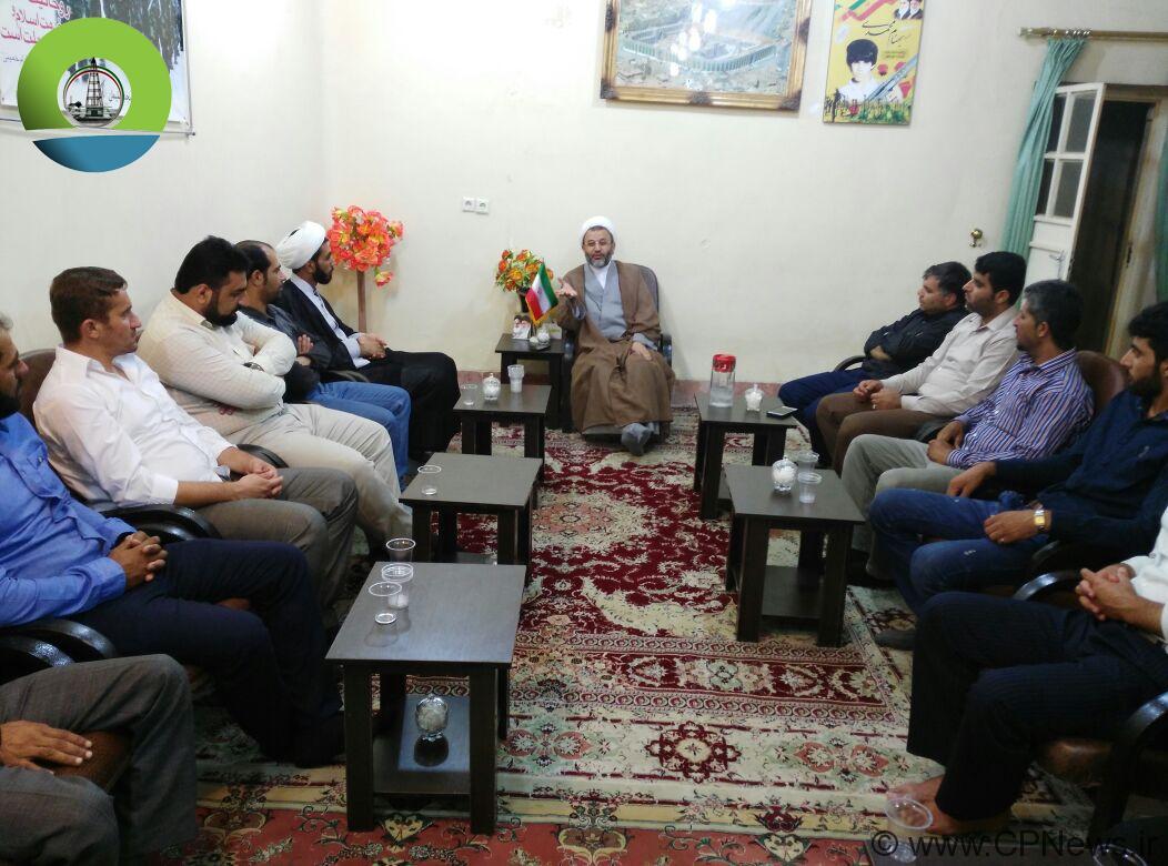 دیدار جوانان و شورای جوانان فعال منطقه مال جونکی با امام جمعه مسجدسلیمان+تصاویر