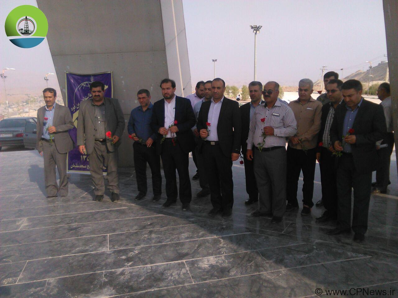برگزاری مراسم غبارروبی مزار شهدای مسجدسلیمان