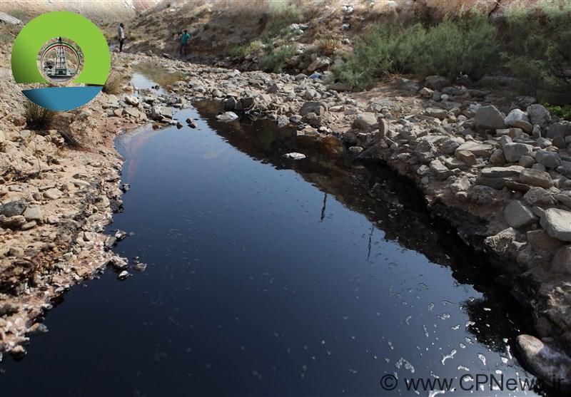 روان شدن چشمههای نفتی در مسجدسلیمان +تصاویر
