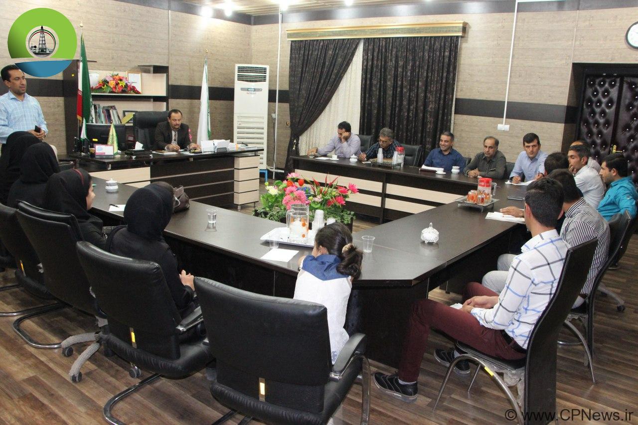 نشست هم اندیشی سرپرست شهرداری مسجدسلیمان با فعالین محیط زیست و انجمن های مردم نهاد + تصاویر