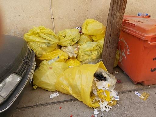 رها شدن پسماندها و زباله های عفونی در کوچه پزشکان