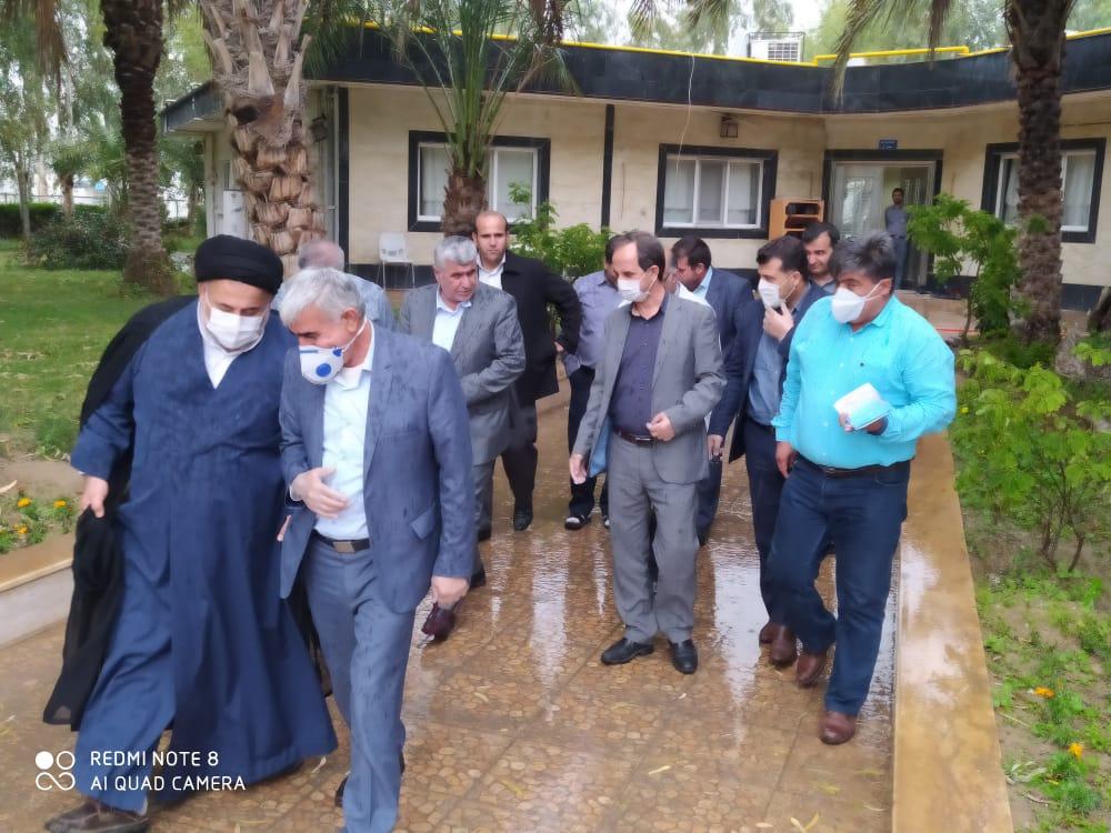 بازدید دکتر علیرضا ورناصری از کارخانه سیمان خوزستان و بیمارستان شهدای گمنام هفتکل
