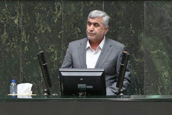 مردم شریف حوزه انتخابیه من با مظلومیت و شکیبایی حجم عظیمی از معضلات را تاب آوردهاند