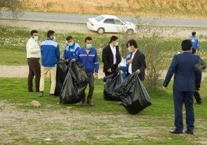اجرای برنامه پاکسازی طبیعت توسط کارکنان شرکت صنایع پتروشیمی مسجدسلیمان