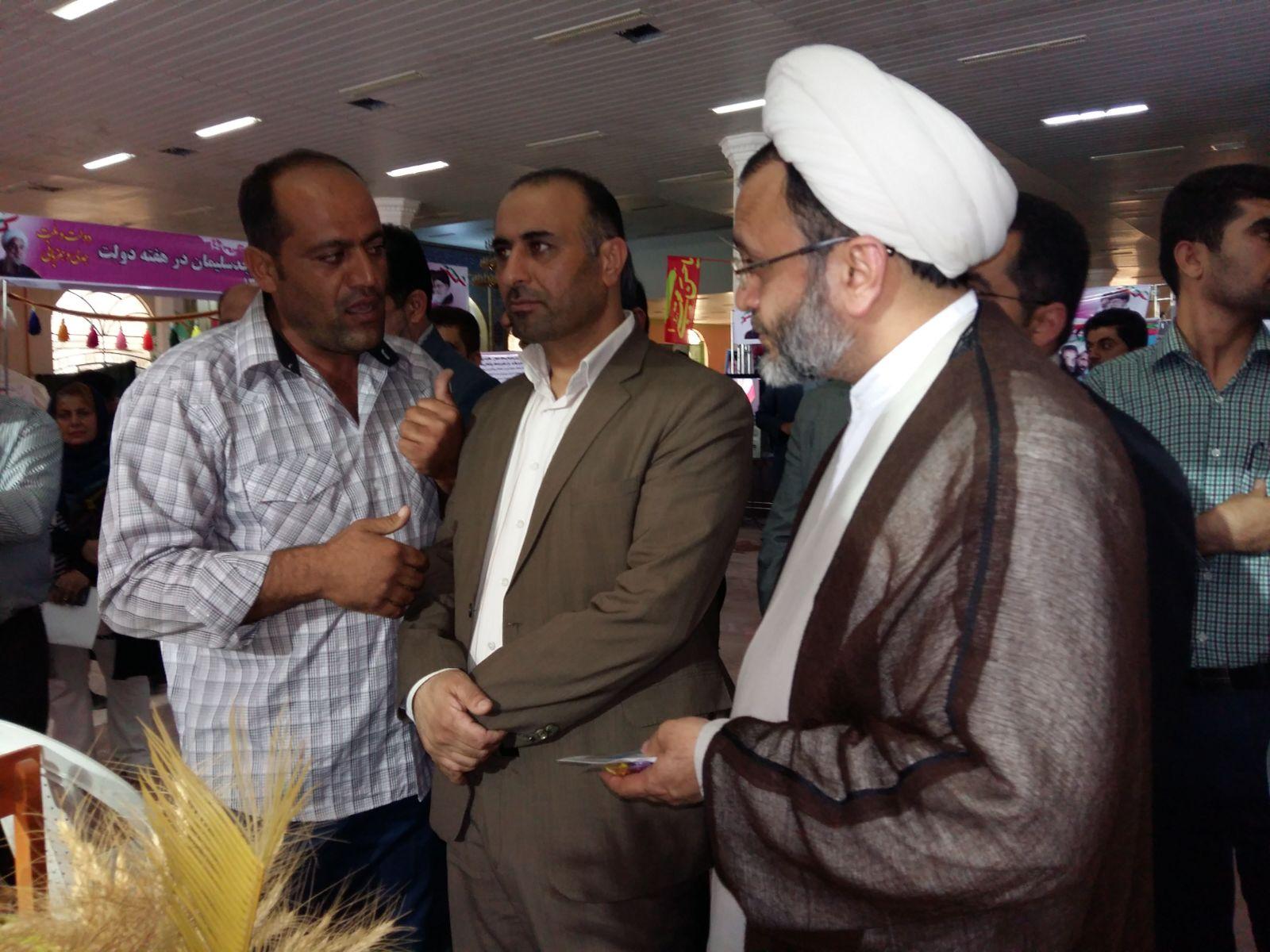 افتتاح غرفه انجمن زیست محیطی نگین ایران زاگرس در نمایشگاه دستاوردهای شهرستان مسجدسلیمان