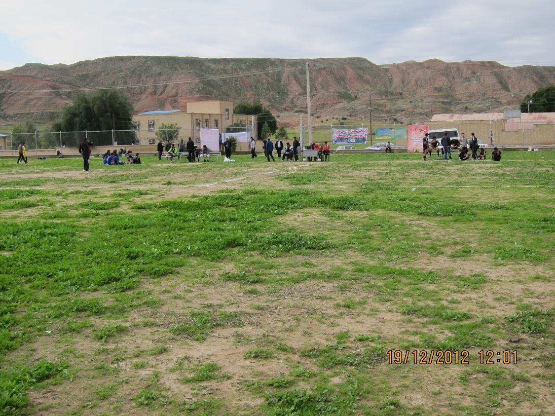 عملیات اجرایی همزمان چهار زمین ورزشی در مناطق گلگیر، عنبر، تل بزان و خواجه آباد بی بیان